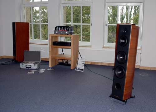 fairaudio artikel world of hifi hannover 2007 1 ende. Black Bedroom Furniture Sets. Home Design Ideas
