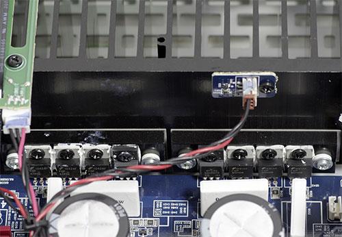 Blick auf die Endtransistoren des Arcam