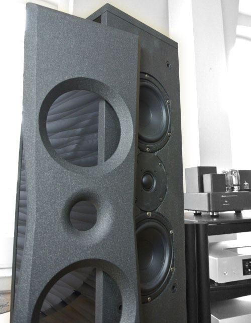 AudioSolutions Overture O203F Front