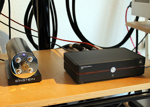 Quergehört: links Einstein The Turntable Choice, rechts Clearaudio Absolute Phono Inside