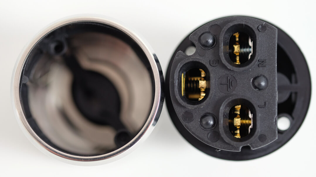 Innere Kontakte von Furutech FI-E50 NCF beziehunsgsweise FI-E50 NCF