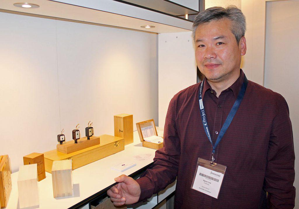 Der Koreaner Hyun Lee produziert in Berlin seine Tonabnehmer der Marke Tedeska