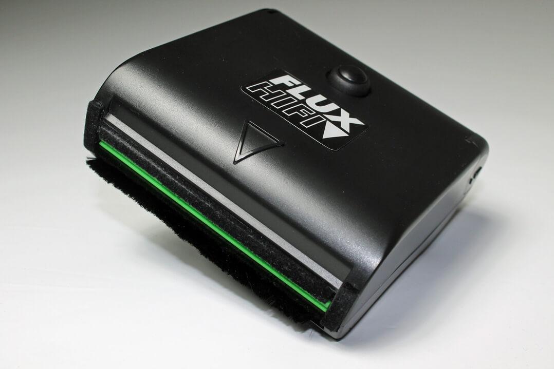 Flux Plattenbürste mit elektronischer Absaugung