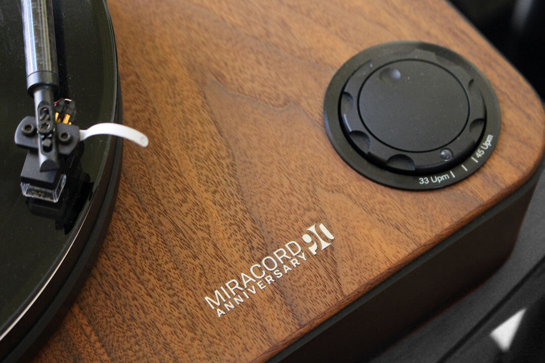 Elac Miracord 90 Anniversary Plattenspieler Detail
