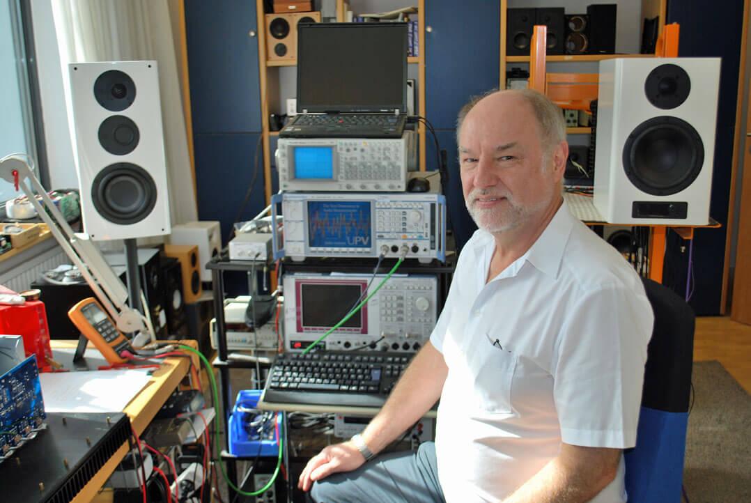 Günther Nubert in seinem Labor