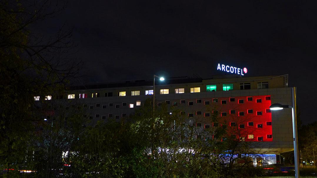 Arcotel Kaiserwasser bei Nacht