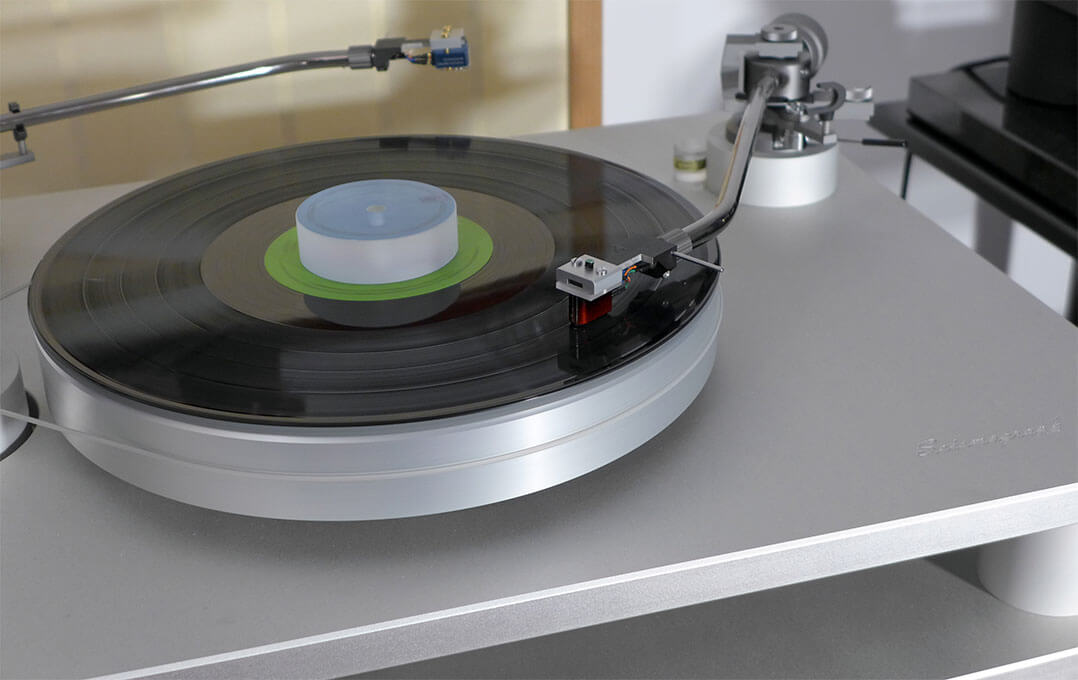 Plattenspieler SoReal Audio Seismograph mit Etsuro-Urushi-Tonabnehmer