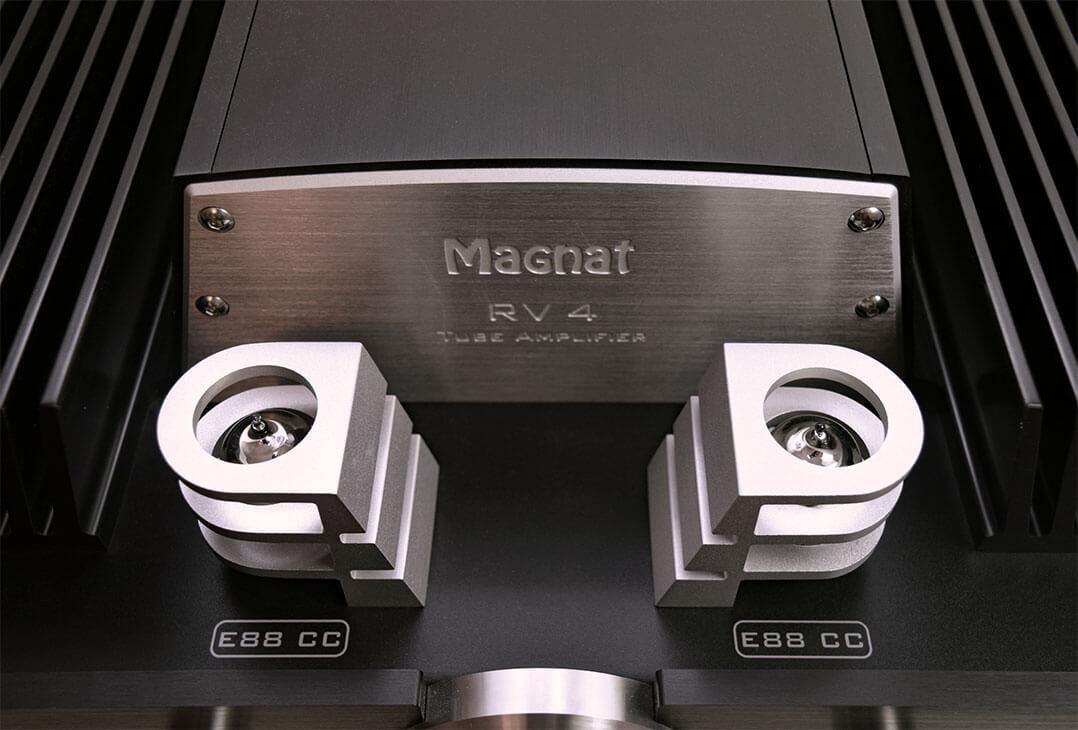 Im Vorstufentrakt des Magnat RV-4 kommen zwei E88C zum Einsatz
