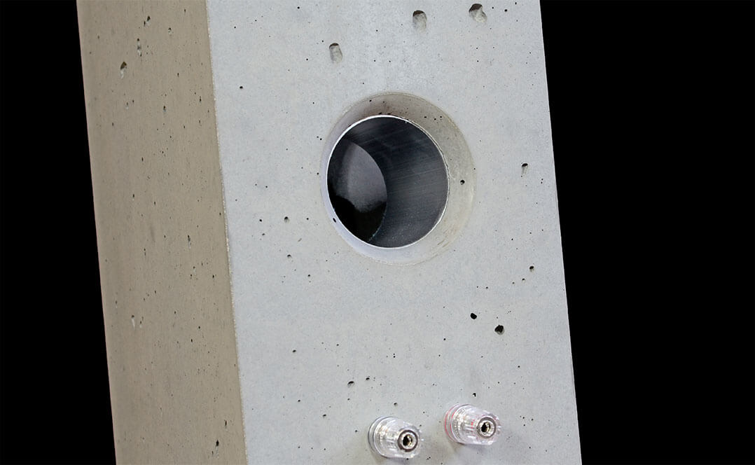 Bassreflexöffnung der Betonart Audio