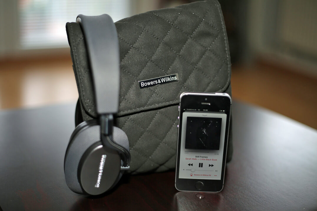 B&W PX Kopfhörer Smartphone & Transporttasche