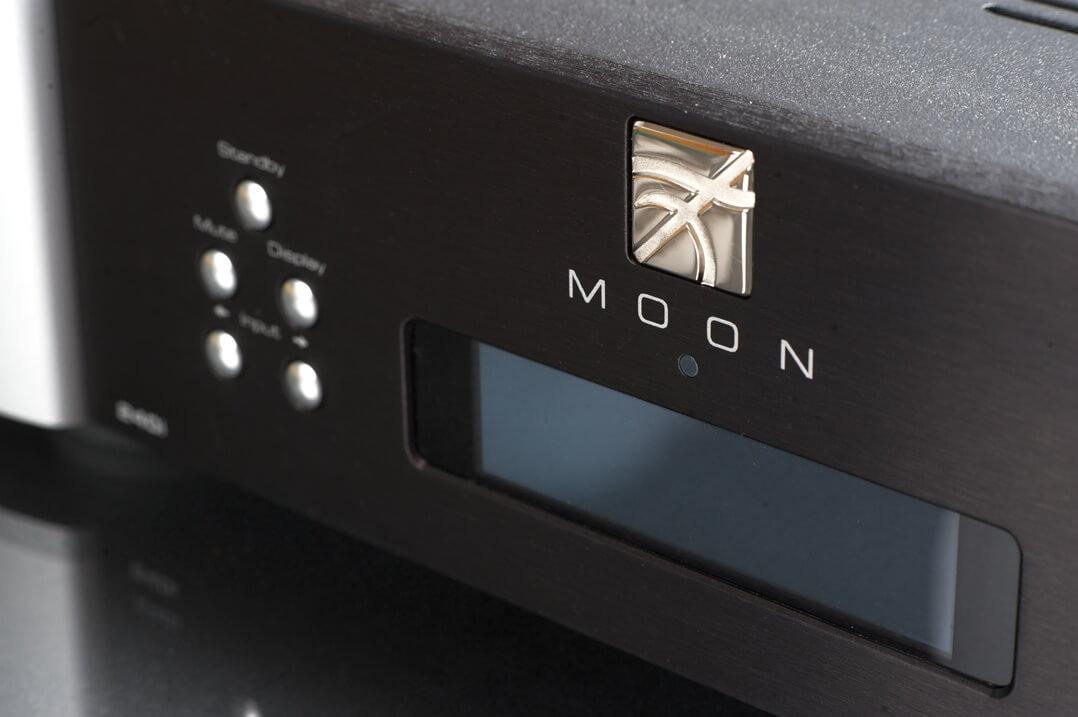 Moon Neo 240i - Display