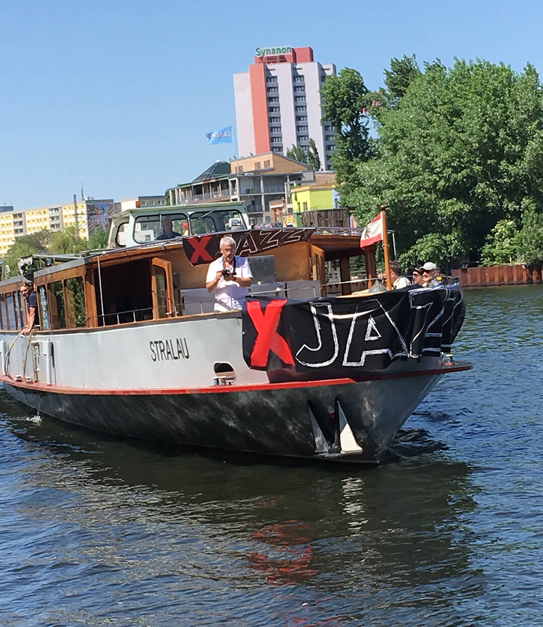 XJAZZ Blueboat
