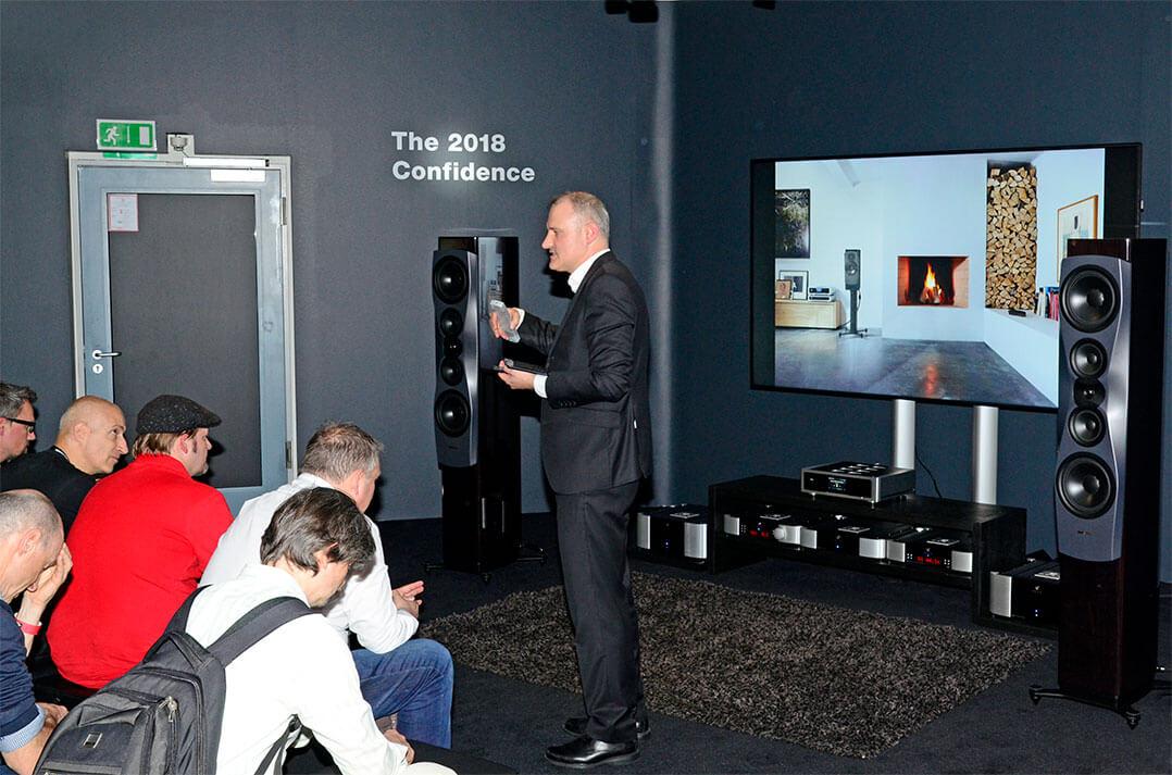 Roland Hoffmann von Dynaudio präsentierte die neue Confidence 60