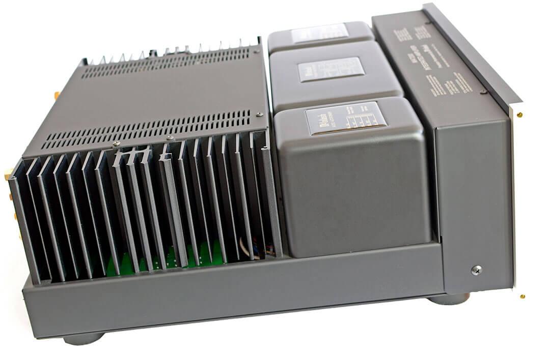 Der McIntosh MA7200 AC von der Seite