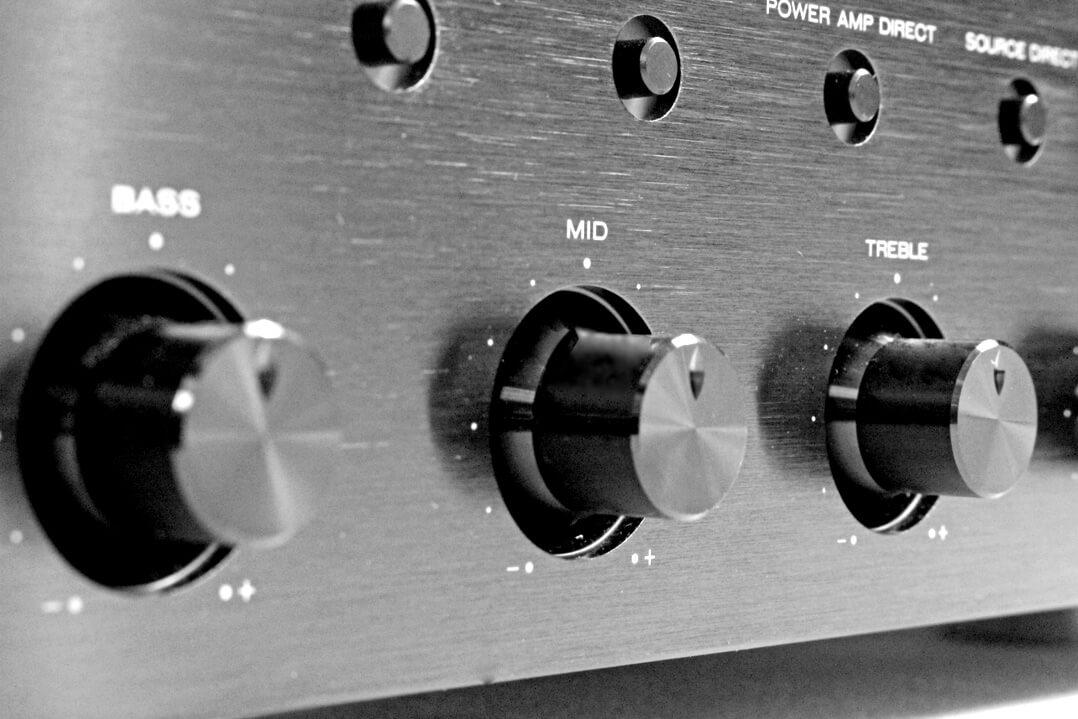 Marantz PM8006 Höhen- und Bassregler
