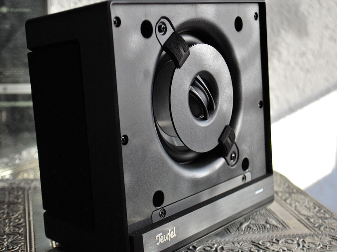 Teufel One S ohne Frontbespannung