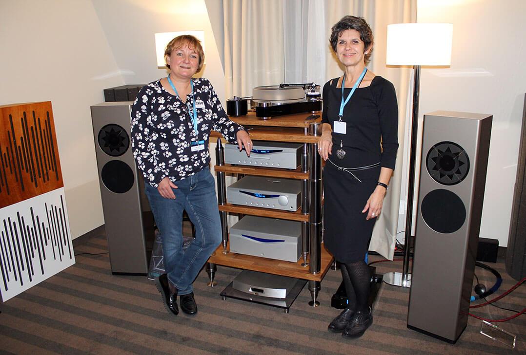Frau Scheu (links) und Frau Manger präsentierten in Warschau gemeinsam