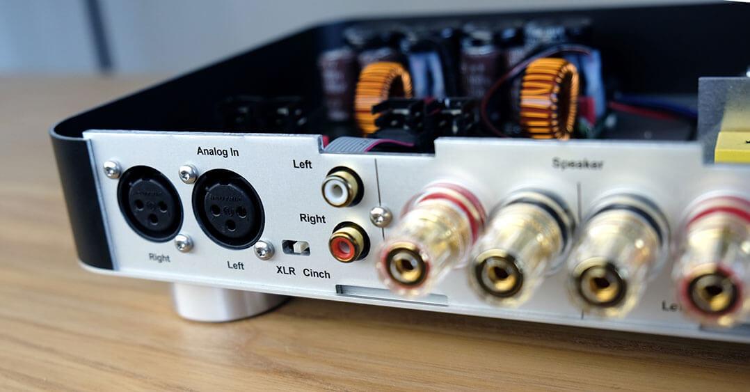 Anschlussfeld HiFiAkademie powerAmp P6s