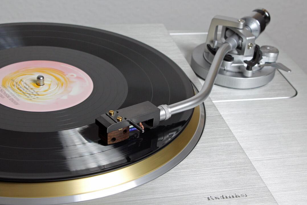 Technics SL-1000R mit Platte