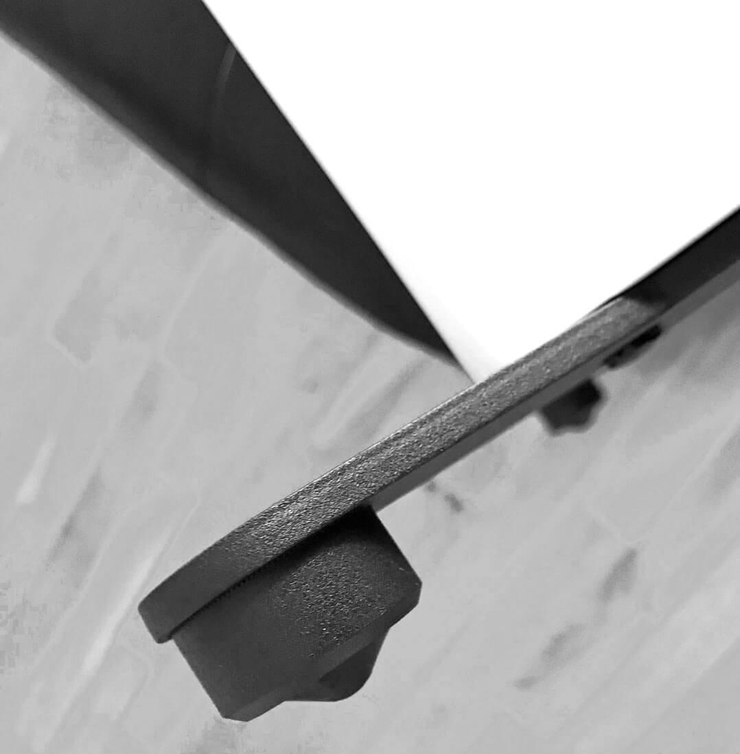 Standfest: Die Nubert nuPro X-8000 kommt mit Metalltraversen