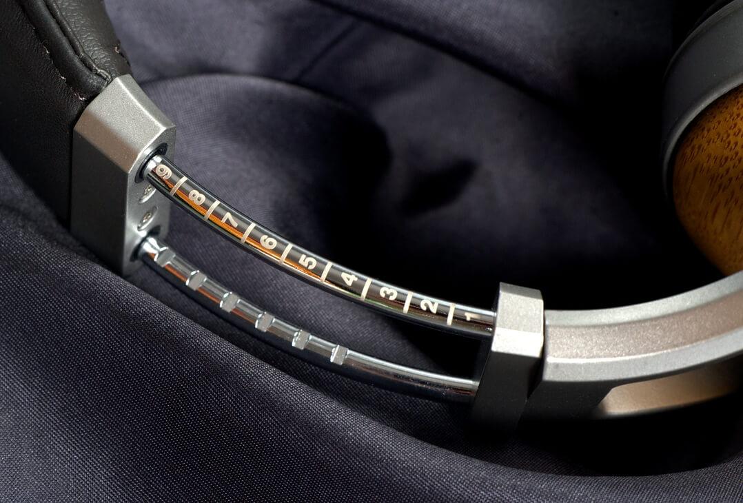 Denon AH-D9200 Kopfhörer-Bügel: Einstellung