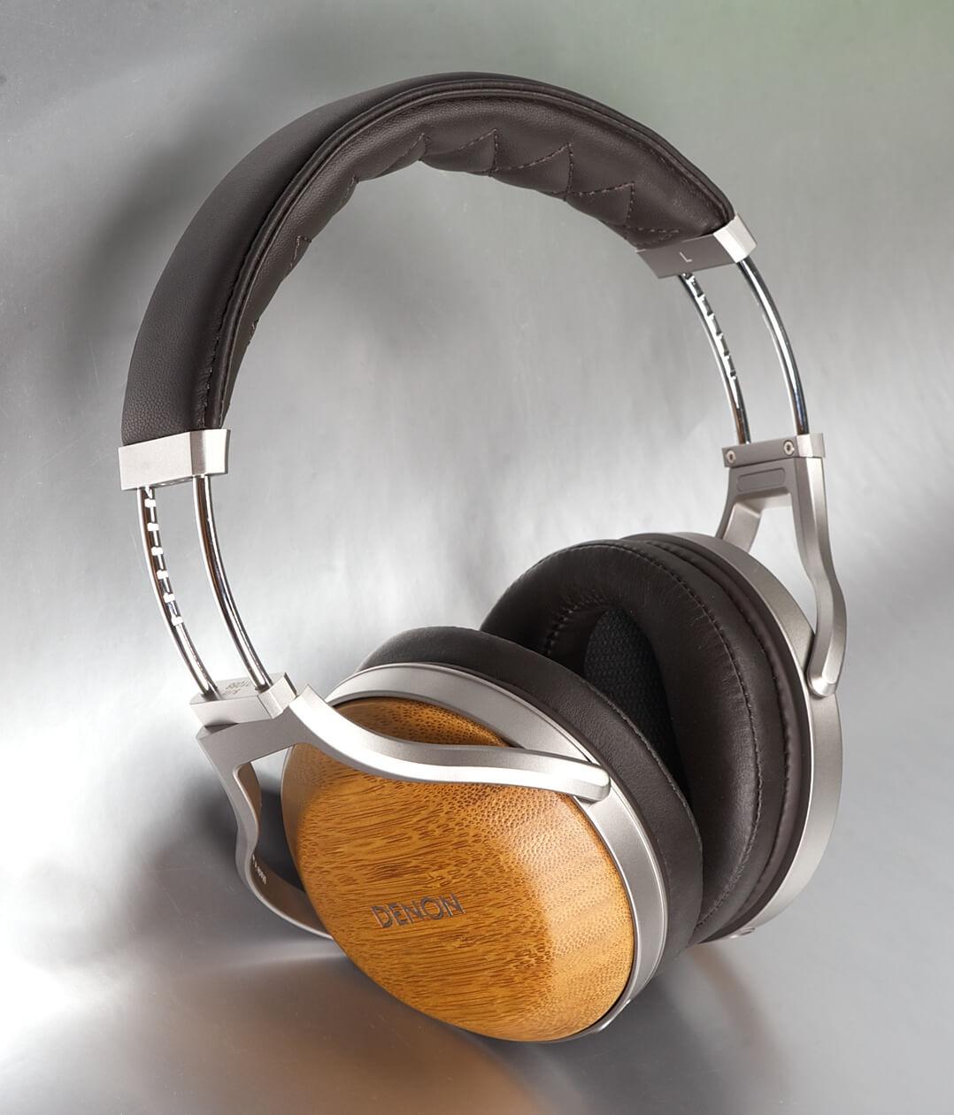 Denon AH-D9200 Kopfhörer komplett stehend