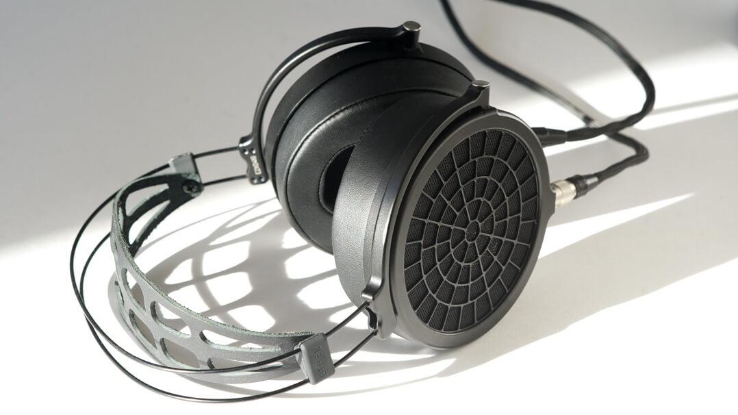 MrSpeakers Ether 2 Kopfhörer von oben schräg