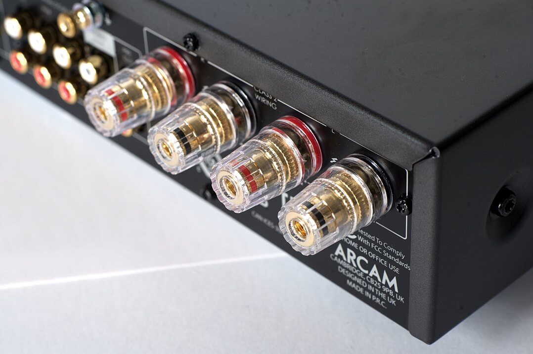 Arcam SA20 - Lautsprecherterminal