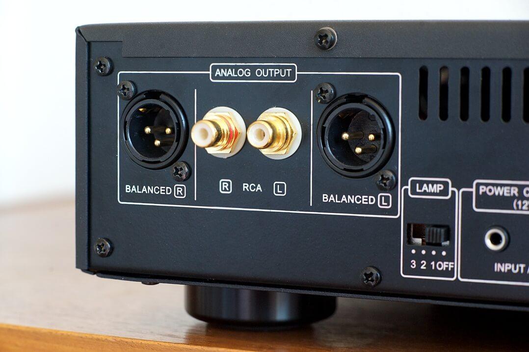 Der Vincent DAC-7 bietet symmetrische und unsymmetrische Ausgänge