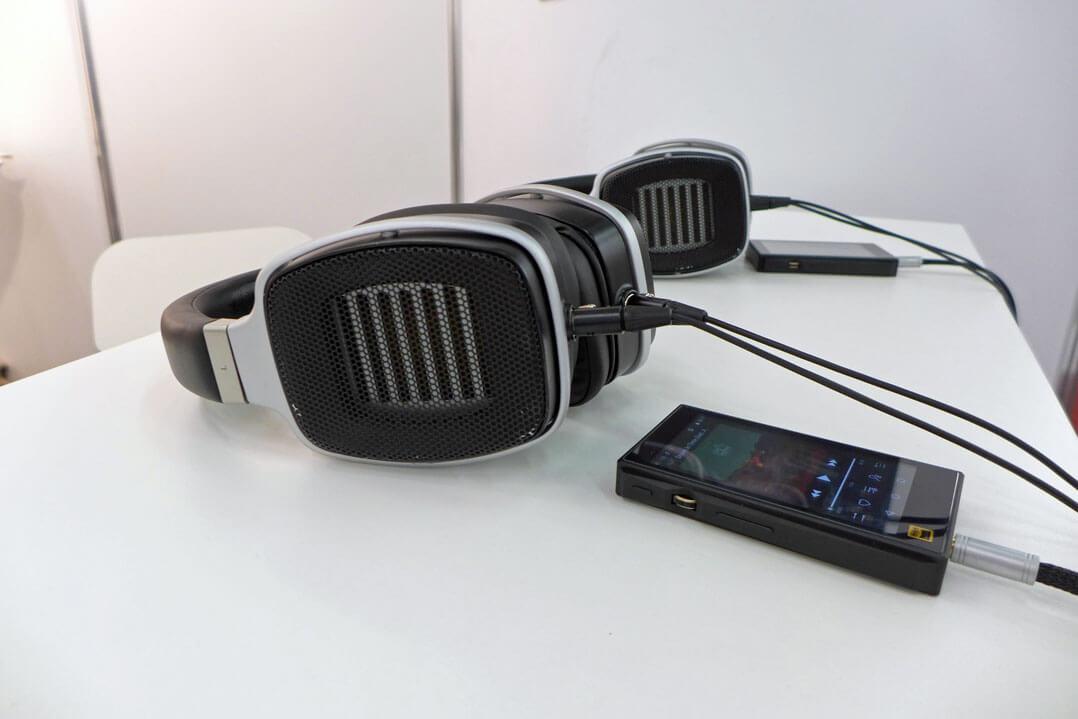 HEDDphone Prototyp befeuert von FiiOs M11 DAP