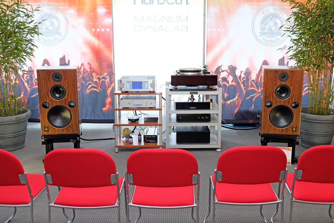 Harbeth-Lautsprecher, Dynalab Vollverstärker und Leema Acoustics