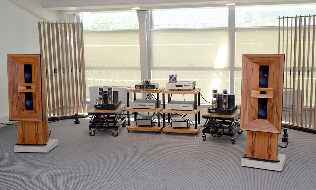 Im Messeraum von Blumenhofer Acoustics