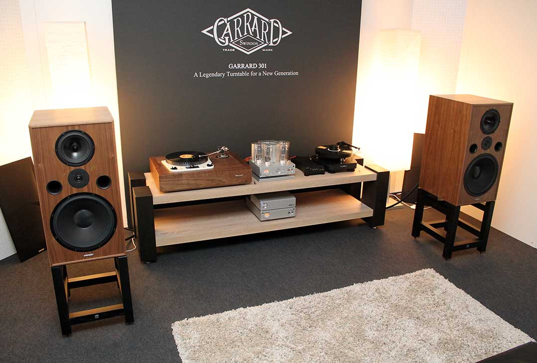 Klang keineswegs retro: Garrard-Plattenspieler und Spendor SP 100 Lautsprecher
