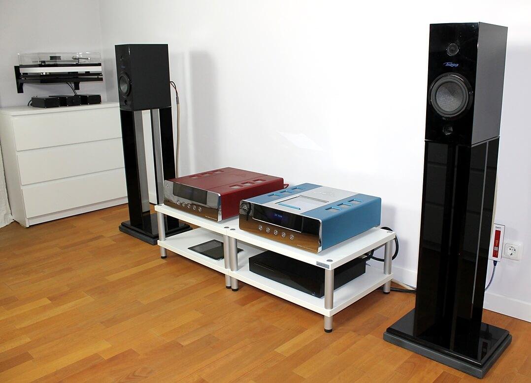 Anlage im Hörraum ohne Harmonix RFA-7800 Room Tuning Disks