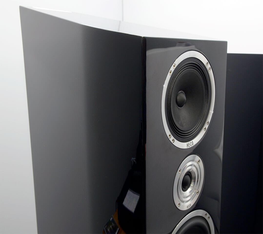 Der Mitteltöner der Heco La Diva besitzt einen Alnico-Magneten, der Hochtöner eine spezielle Schallführung