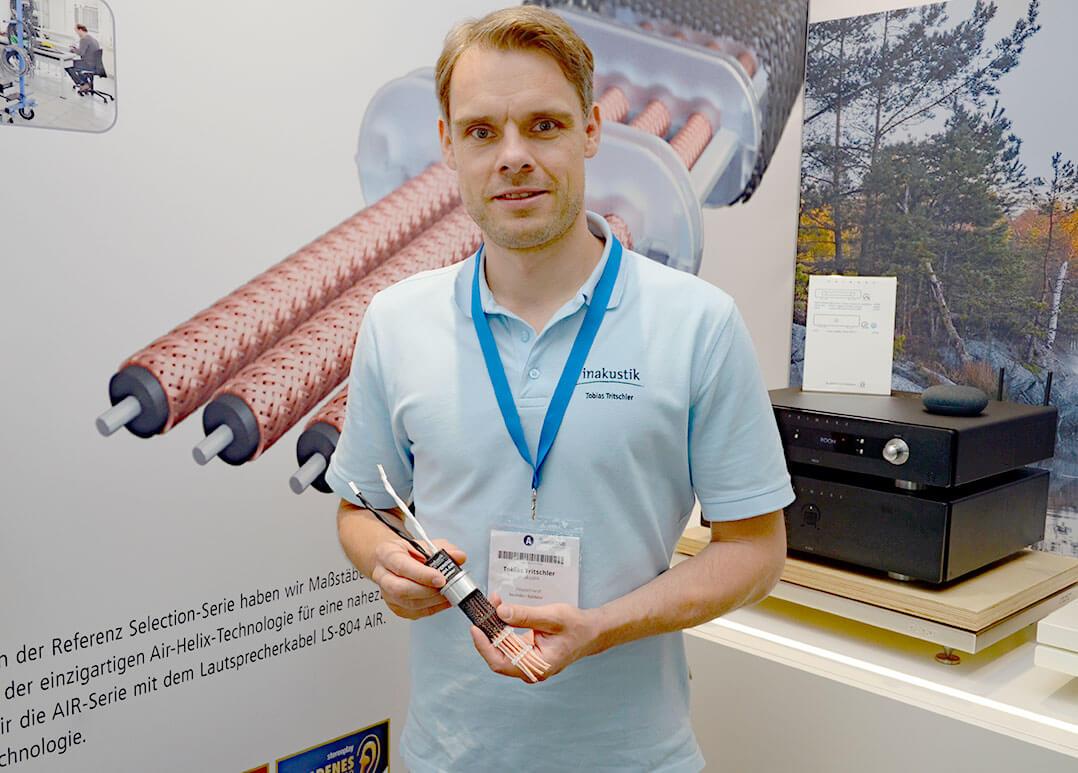 Tobias Tritschler von In-Akustik präsentiert das Lautsprecherkabel Referenz LS-804 AIR