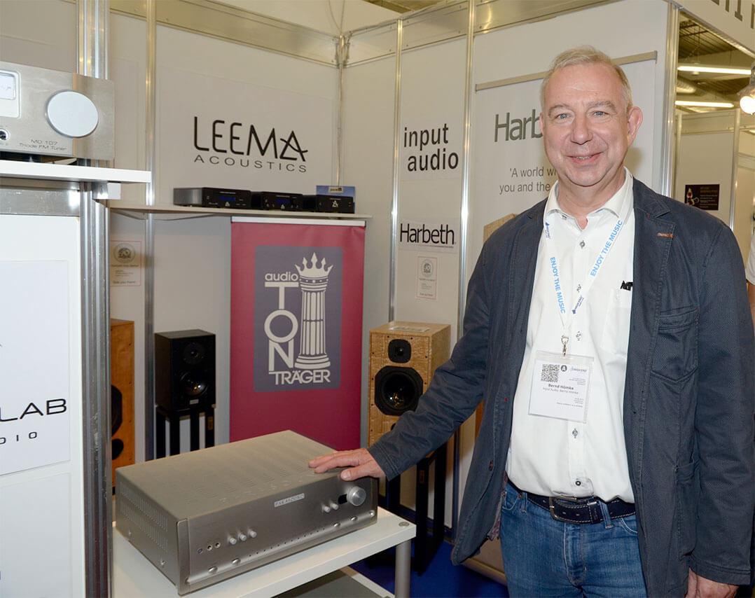 Bernd Hömke von Input Audio freute sich über den Neuzugang in seinem Portfolio - über die Zweikanal-Komponenten von Parasound