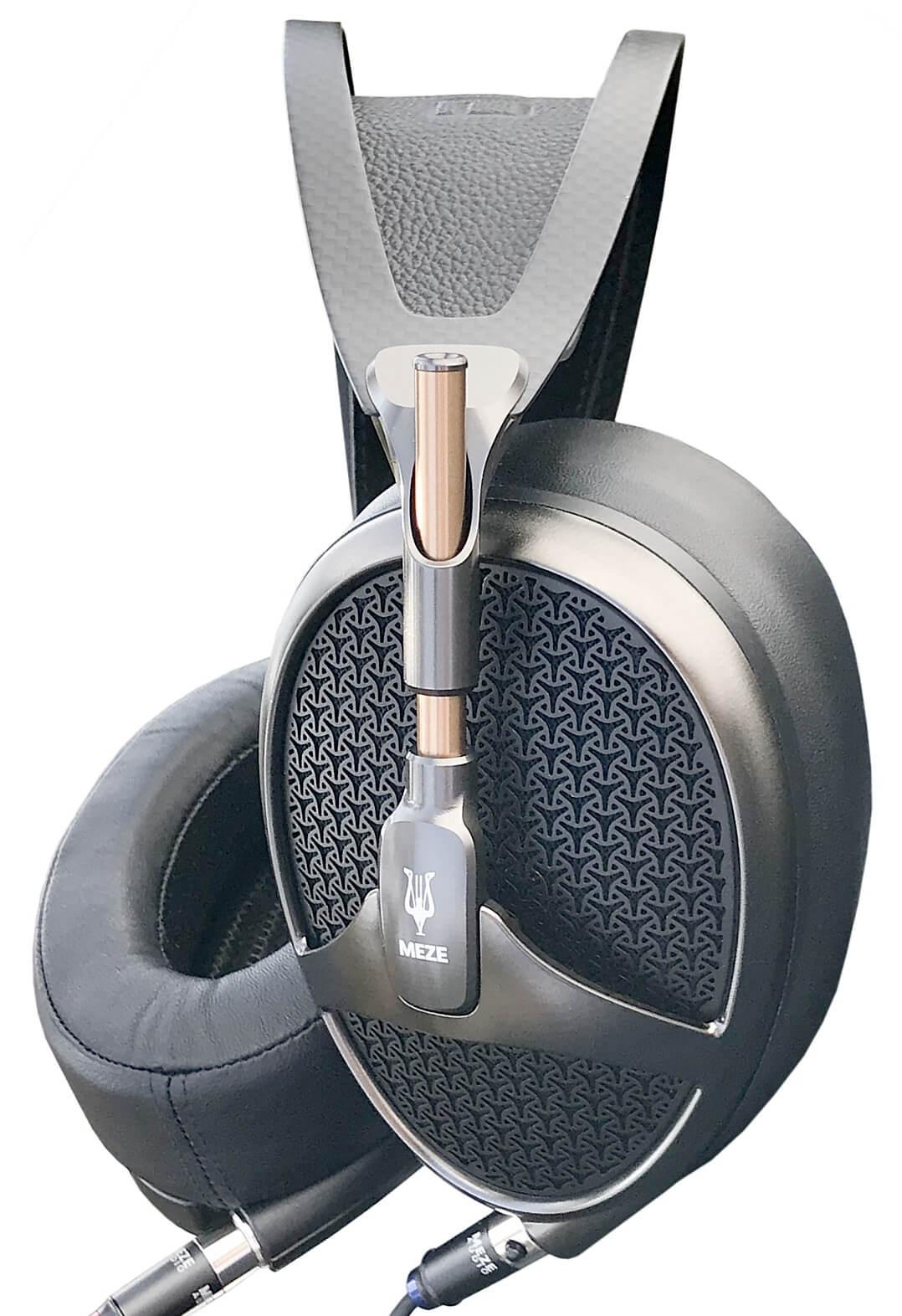 Meze Empyrean Kopfhörer komplett seitlich