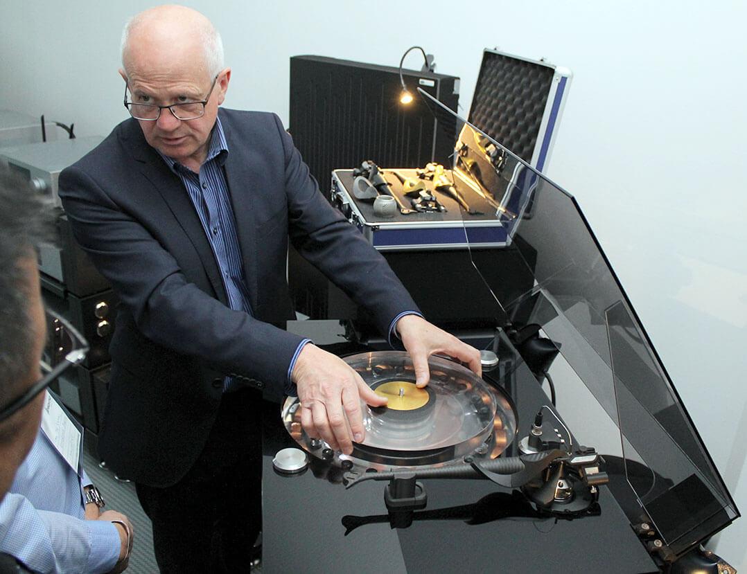 Craig Milnes von Wilson Benesch präsentierte sein GMT-System