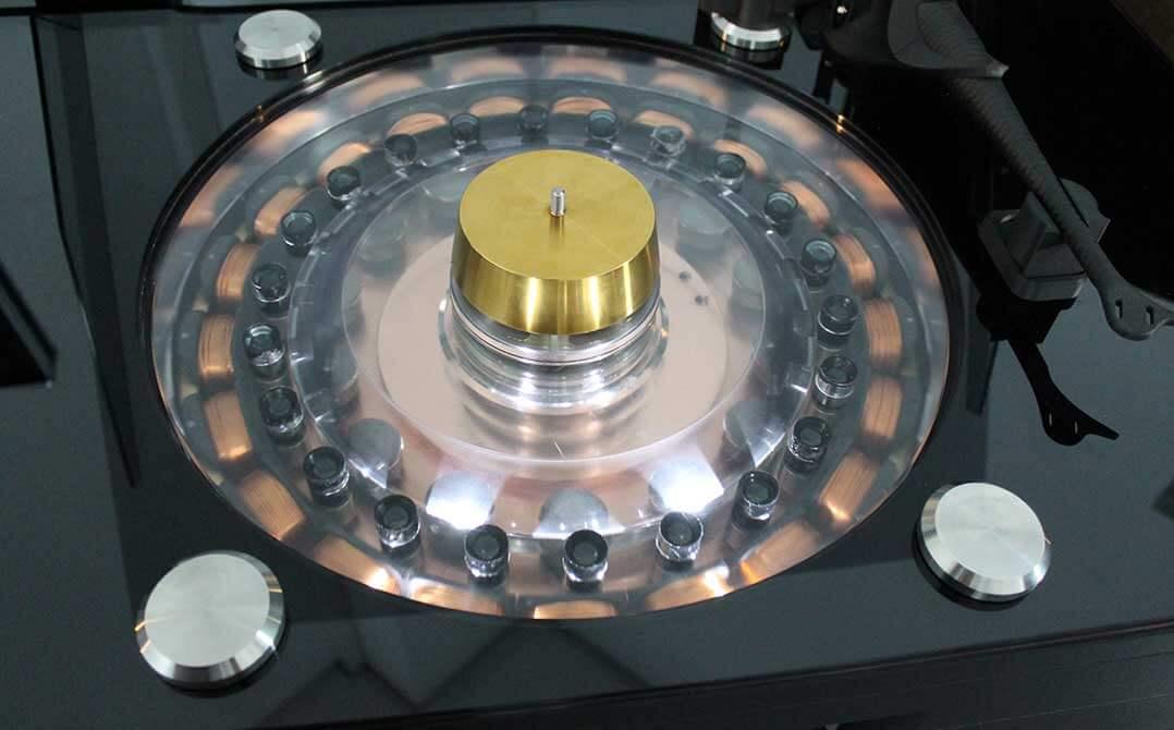 Aufwendiges Antriebssystem des Wilson-Benesch-Laufwerks