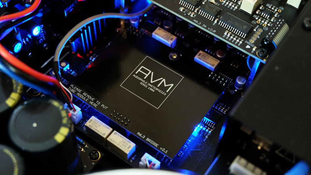 AVM Ovation A 6.3 und AVM Ovation A 8.3 - Platinenbrücke für Transistorbetrieb