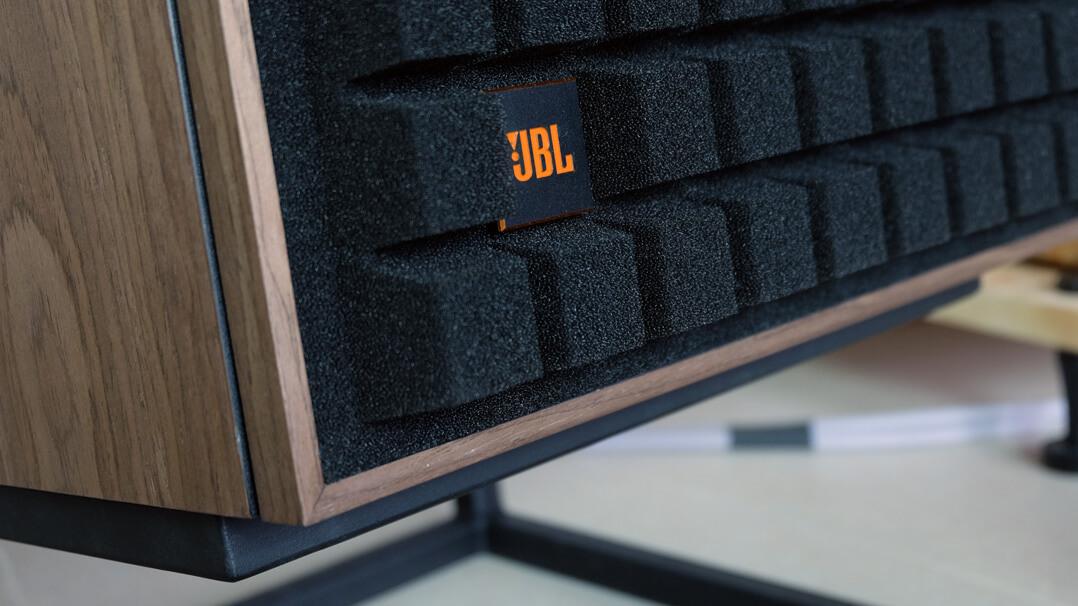 JBL L100 Classic Lautsprecher Logo