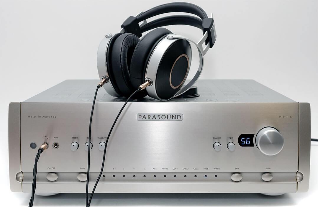 Parasound Hint 6 mit Kopfhörer