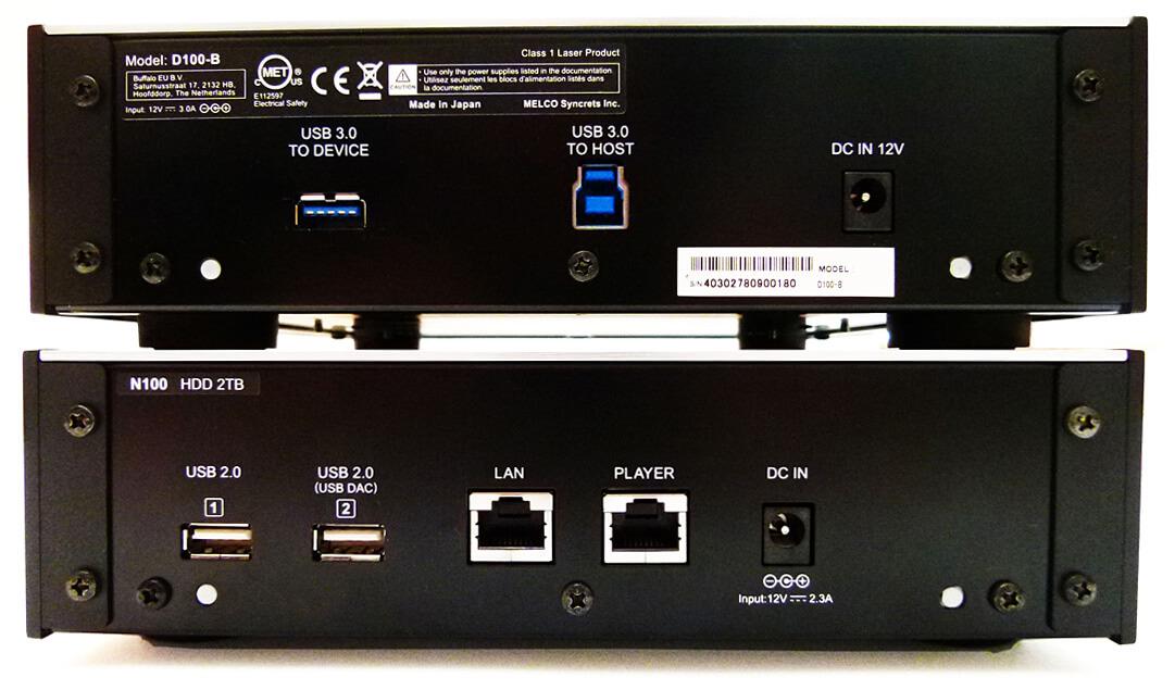 Rückseite der Melco-Geräte: oben der D100, unten der Server N100