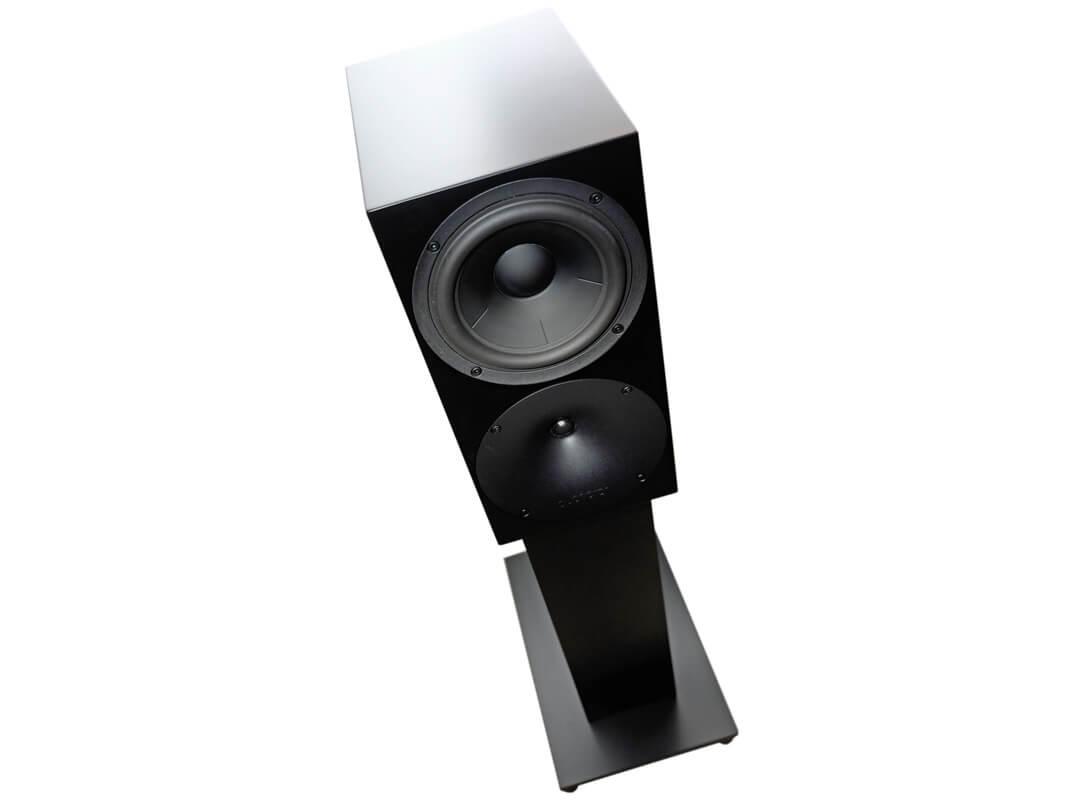 Buchardt Audio S400 mit Ständer