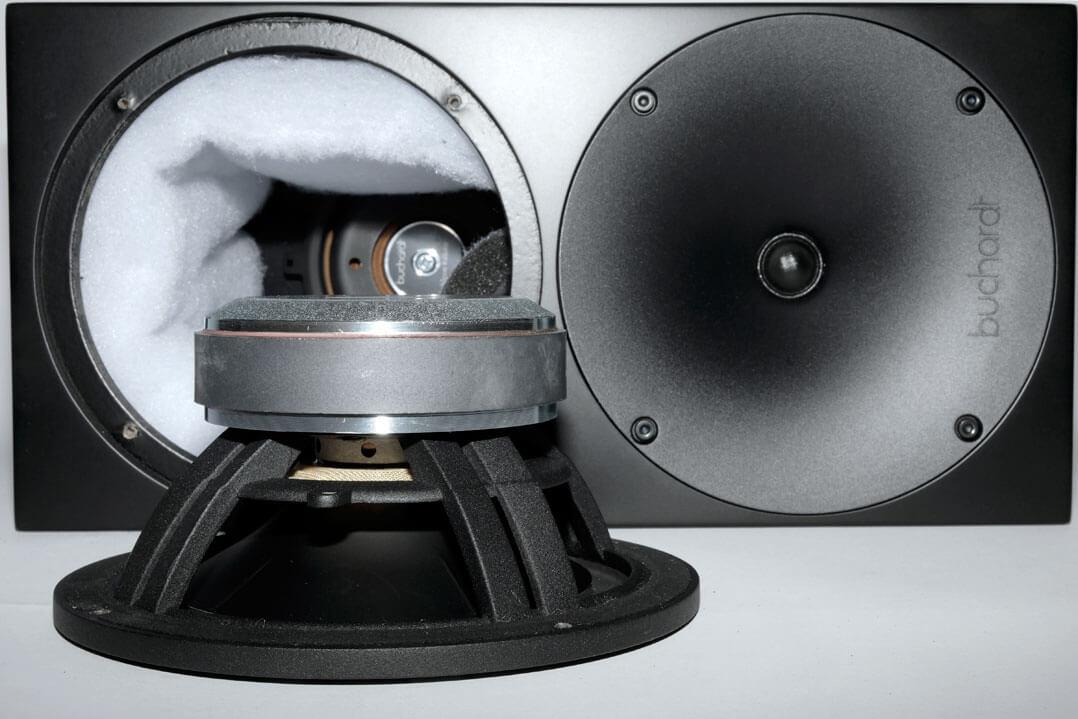 Buchardt Audio S400 mit ausgebautem Lautsprecher