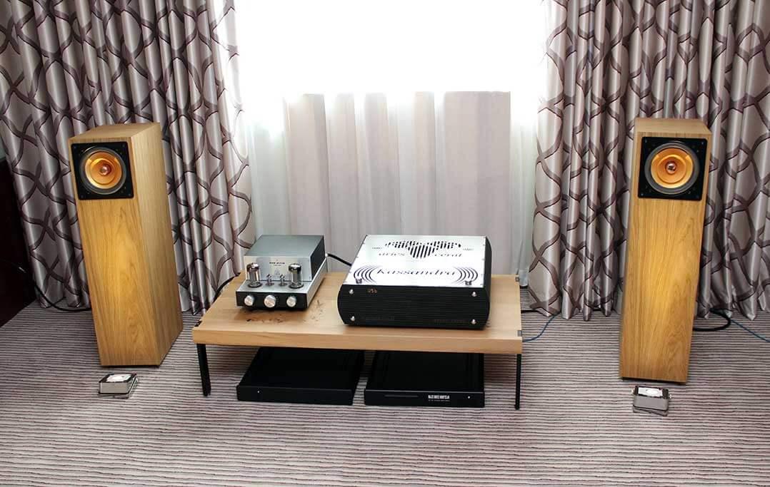 Klangloft aus München hatte Lautsprecher von Cube Audio mitgebracht