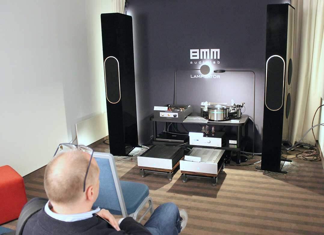 Im Raum von 8 mm Audiolab