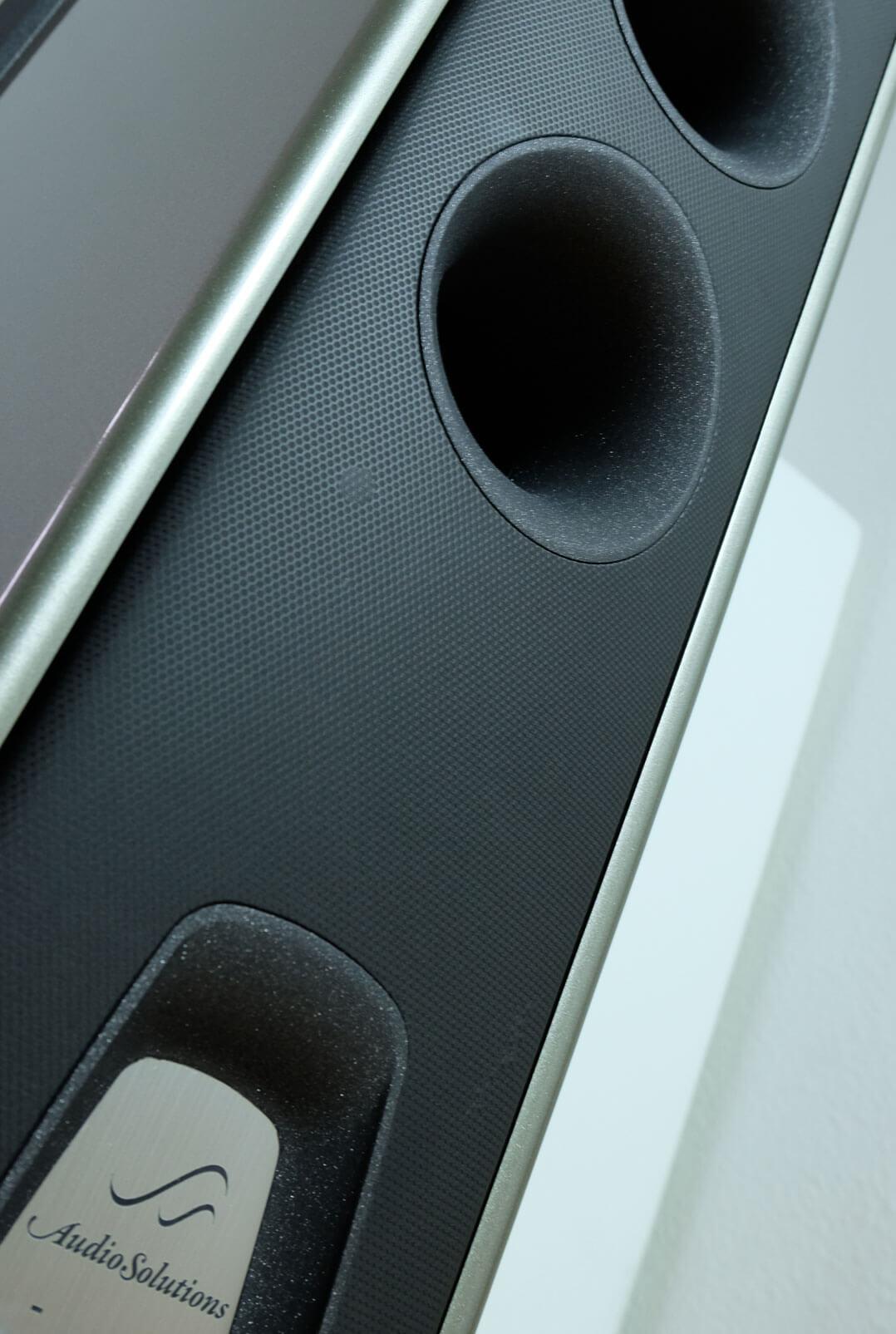 AudioSolutions Virtuoso M: Rückseite/Bassreflexöffnung