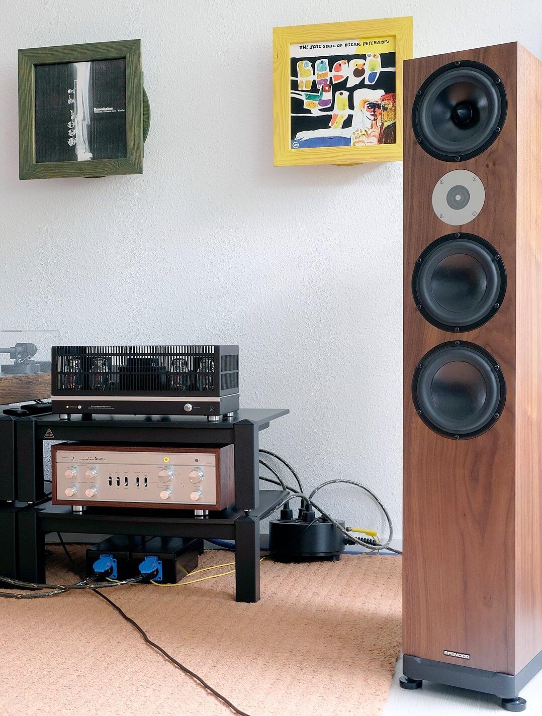 Luxman Vor-End-Kombination im Hörraum